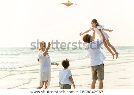 Vrouw jongen strand Kite familie kind Stockfoto © IS2