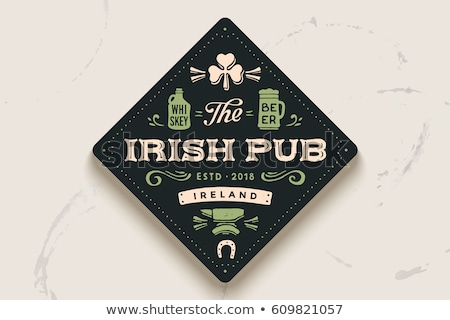 Vintage irlandais pub vecteur britannique Photo stock © netkov1