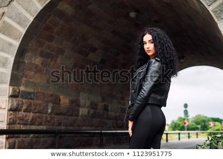 Porträt · schönen · Brünette · Dame · posiert · rock - stock foto © fernando_cortes