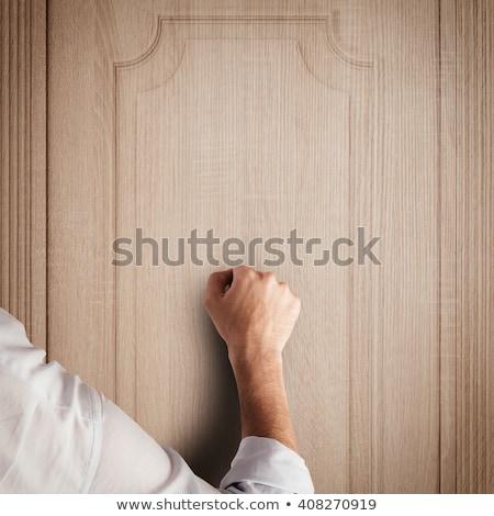 Hand deur vrouwelijke houten afbeelding bezoeker Stockfoto © stevanovicigor