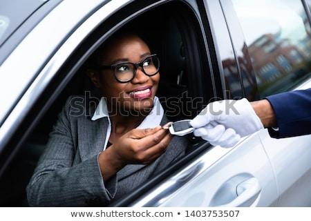 幸せ · 女性 · 車のキー · 立って · 車 - ストックフォト © andreypopov