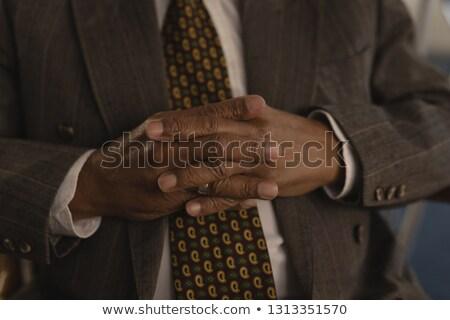 Supérieurs homme mains maison de retraite costume Photo stock © wavebreak_media