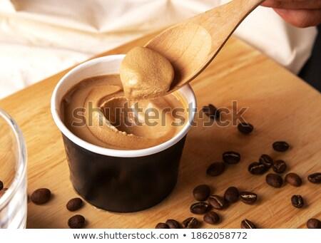 Kremowy deser słodkie filiżankę kawy czarny Zdjęcia stock © fotoaloja