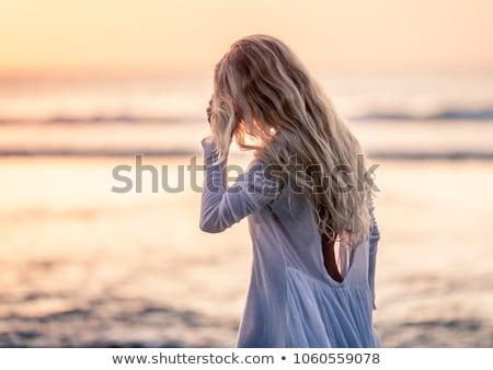 gyönyörű · szőke · nő · fehér · bikini · pózol · tengerpart - stock fotó © bartekwardziak