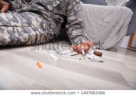 doente · garrafa · vinho · jovem · supermercado - foto stock © andreypopov