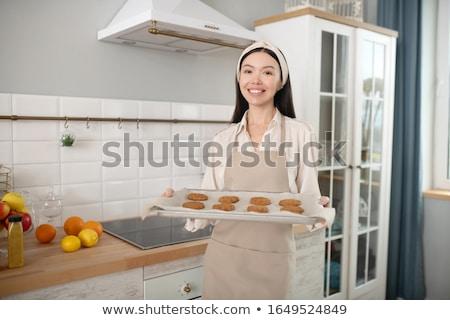 Sevimli genç kadın kurabiye mutfak güzellik Stok fotoğraf © wavebreak_media