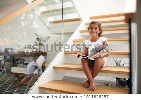 5 éves lány néz kamera fű gyermek Stock fotó © IS2