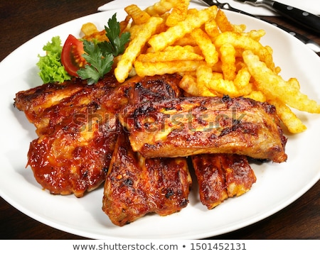 Affumicato carne di maiale insalata di patate legno tagliere cena Foto d'archivio © Digifoodstock