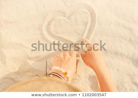genç · portre · kadın · eller · yüzler · tek · başına - stok fotoğraf © vetdoctor