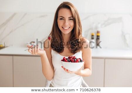 кухне · еды · чаши · фрукты · улыбаясь - Сток-фото © deandrobot