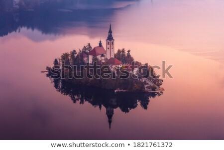 turista · kép · hegy · tájkép · este · völgy - stock fotó © leonidtit