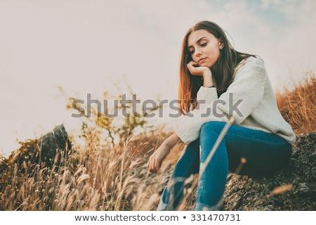 Odkryty portret myślenia kobieta piękna młodych Zdjęcia stock © ilolab