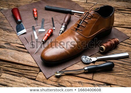 Szerszámok befejezett cipő asztal űr kés Stock fotó © AndreyPopov