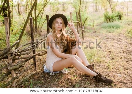 belle · femme · chapeau · de · cowboy · femme · fleur · sourire · nature - photo stock © marylooo