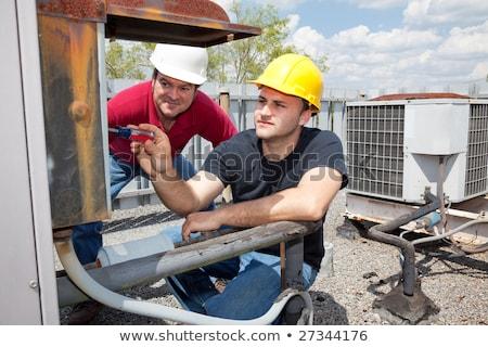 Treinamento aprendiz homem madeira construção Foto stock © photography33