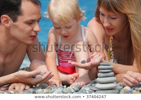 Rodziny kamień plaży trzy dzieci Zdjęcia stock © Paha_L