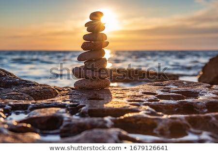 Gleichgewicht Harmonie Kiesel Stein Strand Steine Stock foto © dmitry_rukhlenko