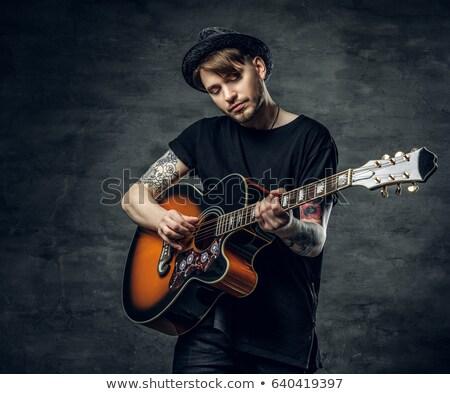 genç · müzisyen · akustik · gitar · dramatik · aydınlatma · ışık - stok fotoğraf © feverpitch