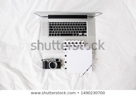 Imprenditore desk tastiera del computer portatile retro fotocamera Foto d'archivio © manera