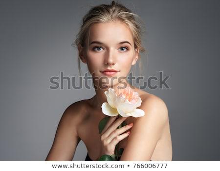 Portré gyönyörű lány szőke nő virágok haj nő Stock fotó © fanfo