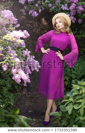 jovem · mulher · bonita · rosa · modelo · verde - foto stock © rosipro