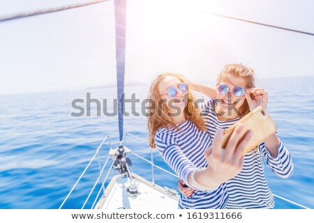 два · привлекательный · девочек · лодка - Сток-фото © 2Design