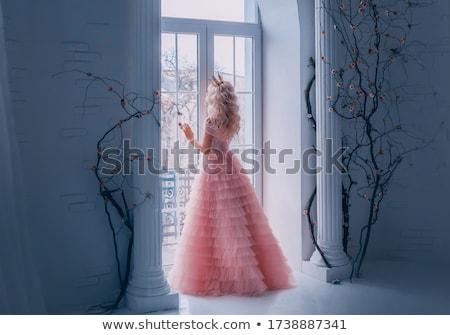 blond · vrouw · witte · jas · alleen · buitenshuis - stockfoto © carlodapino