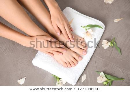 mulher · tocante · tornozelo · grama · moda - foto stock © photography33
