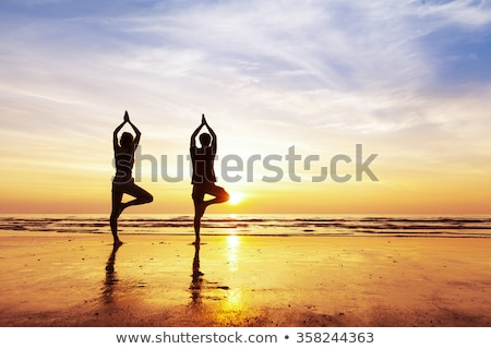 Yoga Caribe jóvenes mujer hermosa mar playa Foto stock © dash