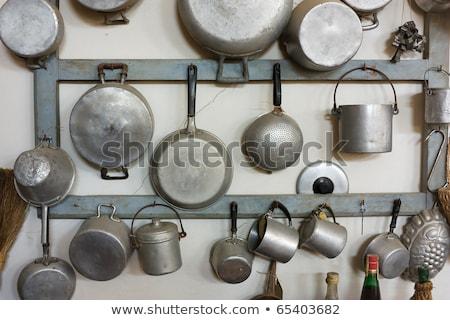 öreg alumínium rusztikus konyha dekoráció fa deszka Stock fotó © manera