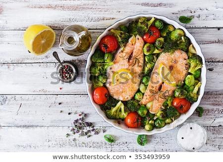 finom · étel · lazac · brokkoli · hagymák · közelkép - stock fotó © yelenayemchuk