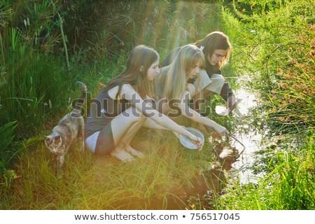 Jeune homme femmes homme forêt nature amusement Photo stock © IS2
