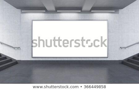 Due cartelloni pubblicitari fronte view allegata colonna Foto d'archivio © magraphics