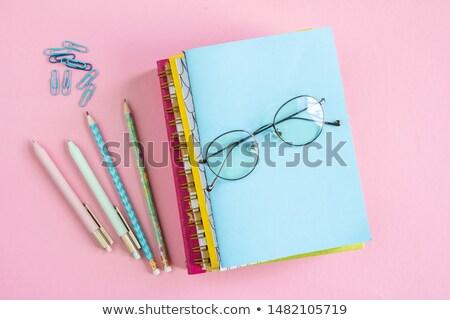 Stok fotoğraf: Gözlük · üst · kalemler · kalemler