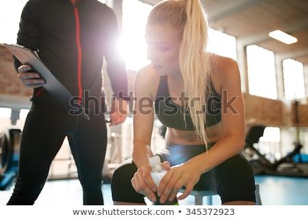 tornaterem · férfi · nő · erő · súlyzó · crossfit - stock fotó © wavebreak_media
