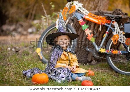 ragazza · halloween · costume · bella · strega - foto d'archivio © phbcz