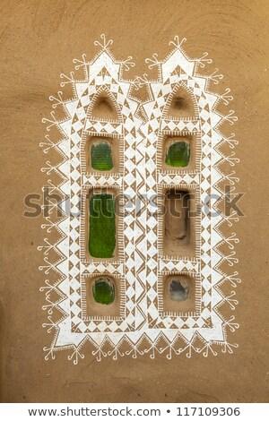 agradable · decorado · Windows · cabaña · pared · pintura - foto stock © meinzahn