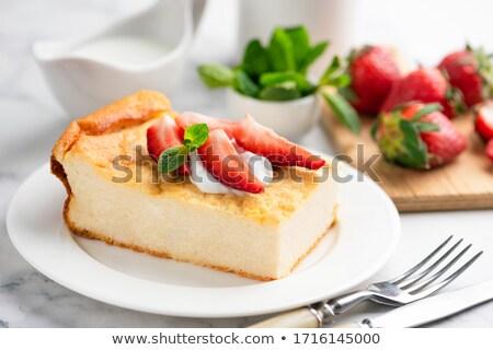 appel · appels · kokosnoot · rozijnen · ondiep · voedsel - stockfoto © yelenayemchuk