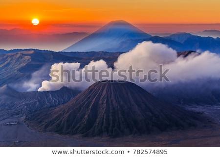 vulcão · nascer · do · sol · fumar · fogo · natureza · viajar - foto stock © johnnychaos