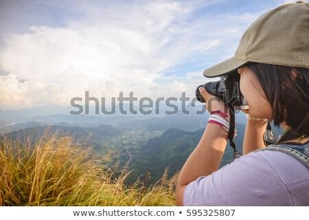 Wandelaar tienermeisje camera fotografie asian Stockfoto © Yongkiet