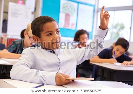 schooljongen · hand · primair · klasse · kinderen · student - stockfoto © monkey_business