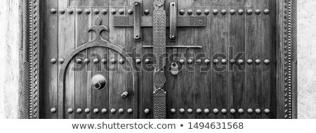 Hagyományos fából készült csavar ajtó részlet ősi Stock fotó © taviphoto