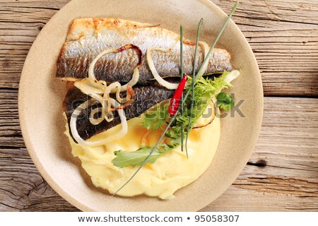 Pan frito trucha patatas servido nuevos Foto stock © Digifoodstock