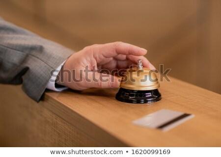 Strony biznesmen popychanie pierścień przycisk Zdjęcia stock © pressmaster