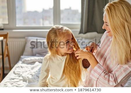 Gelukkig brunette jonge mamma mooie dochter Stockfoto © vkstudio