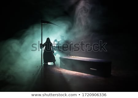 Grimmig slachtoffer afbeelding man deur zwarte Stockfoto © cteconsulting