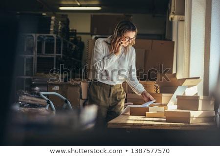 kadın · çalışma · depo · çevrimiçi - stok fotoğraf © choreograph