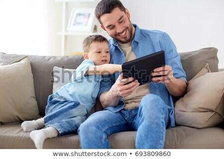 Baba oğul oynama ev aile babalık Stok fotoğraf © dolgachov