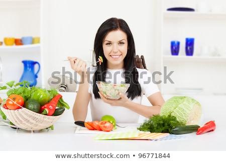 mulher · jovem · olhando · tomates · mão · macarrão - foto stock © Rob_Stark