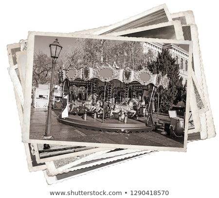 Ouderwets frans carrousel rotonde paarden hout Stockfoto © dinozzaver